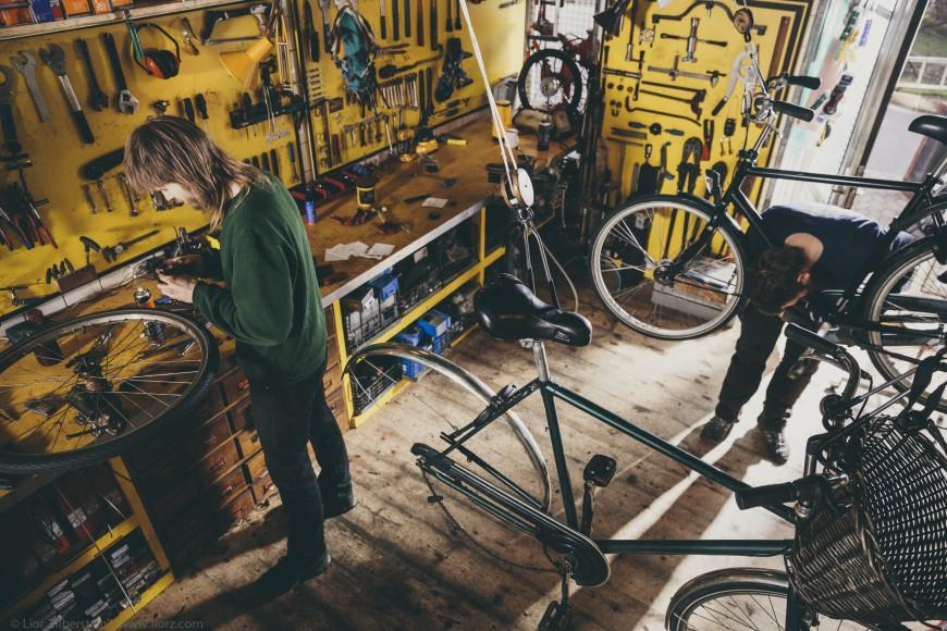 Topbjerg Cykler arbejder